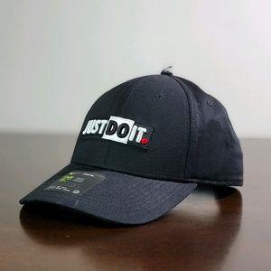 Nike Legacy 91 Just Do It JDI Black White Hat Cap